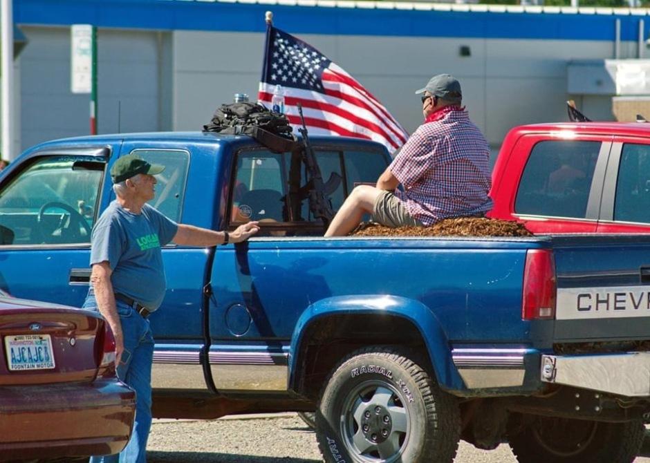 Man with Gun in Blue Pick Up Lynden 070520