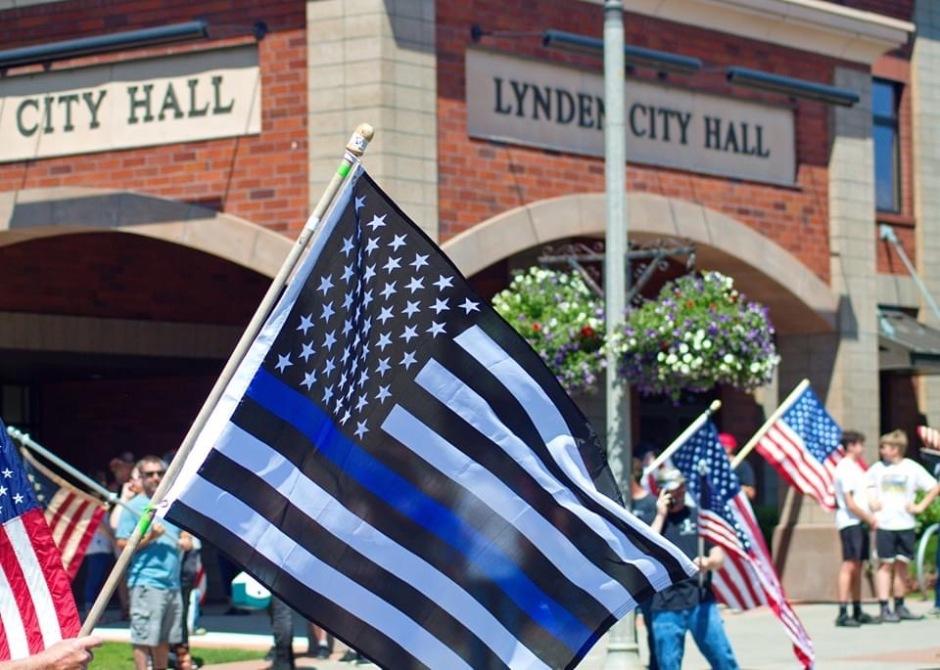 Thin Blue Line Fag Lynden City Hall 070520